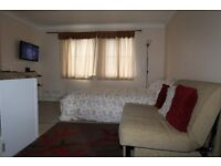 Classic Studio Flat, Lytham Mid, Thamesmead, London, SE28 (Holiday Let Only)
