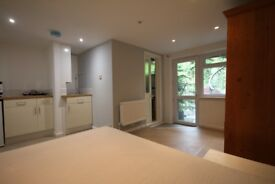 Double, En Suite room, with cooking own facilities