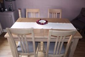 Barker & Stonehouse - Kimberley Oak Extending Dining Table & 4 Chairs