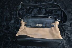 Black & Cream Faux Leather Hand Bag – as good as NEW!