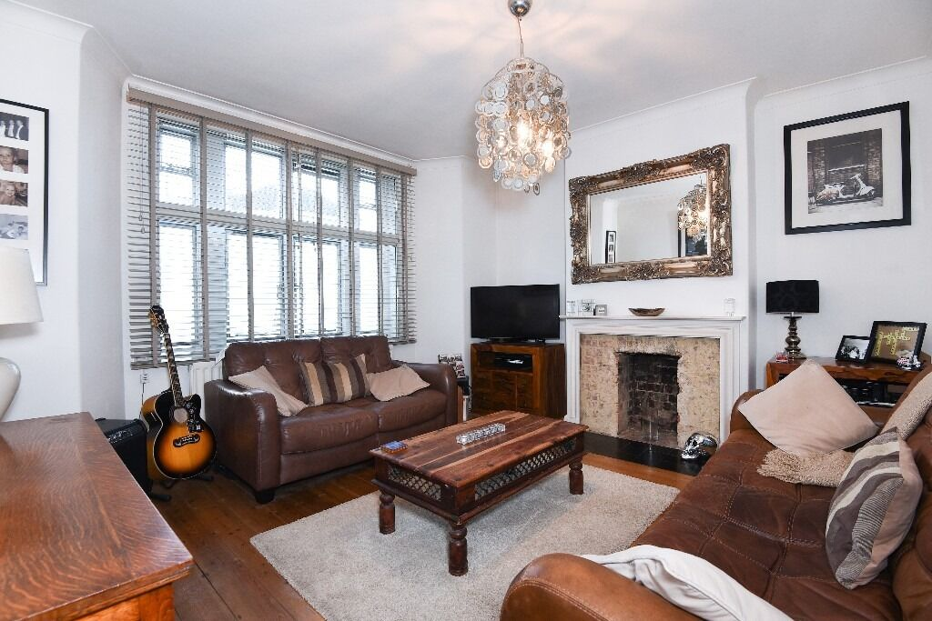 Stunning One Double Bedroom Flat, Fairfield Drive, Wandsworth SW18, £1400 Per Month