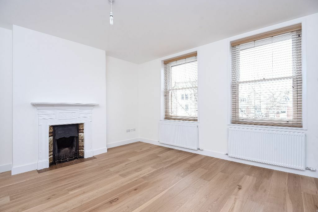 Beautifully renovated two bed flat in fabulous location