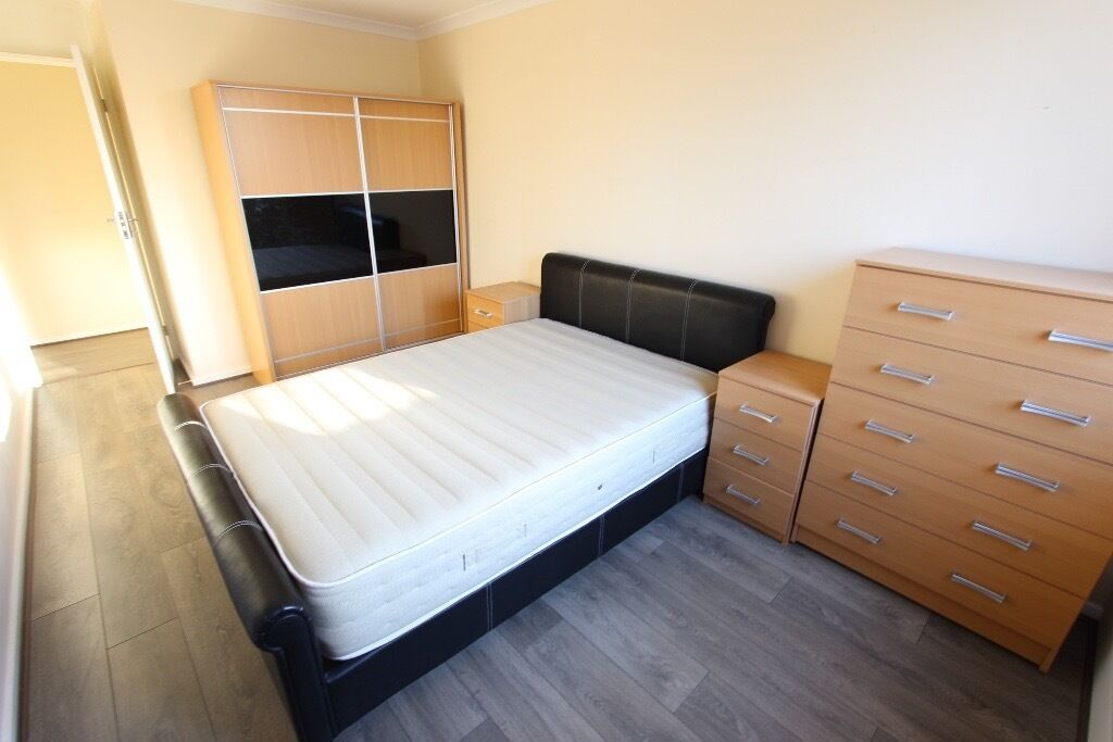 N22 2 BED REFURBISHED, WOOD GREEN, AVAILABLE NOW. PERFECT FOR SHARERS, FAMILY, CLOSE TO EVERYTHING
