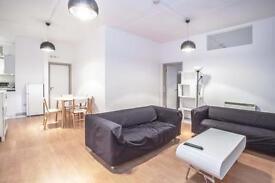 3 bedroom flat in Block 13, Long Street, Shoreditch, E2
