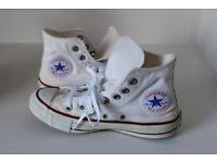 CONVERSE - CHUCK TAYLOR - White - Size UK 4 - £20