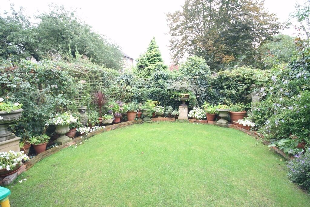 """""SHARERS"""" Stunning 4 bed house in a fantastic location in Streatham. """"Offers Accepted"""""
