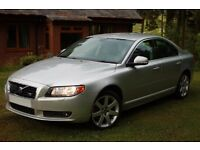 Volvo S80 4.4 V8 4x4 with FSH. Extremely rare car.