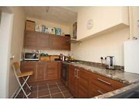 3 bedroom house in Aylett Road, Isleworth