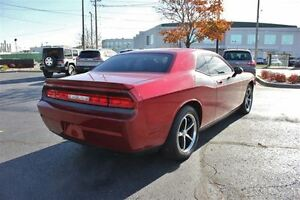 2010 Dodge Challenger SE/SXT Low K's Sun Roof Heated Leather Sea Windsor Region Ontario image 6