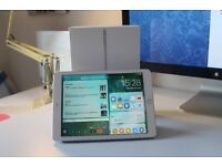 iPad Pro 32GB Wifi + Blue Smart Cover