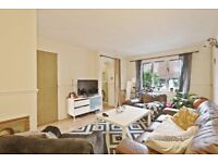 **Bermondsey 3 Bedroom House Available mid Jan - Book a vieiwng today!**