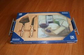 New boxed cheese board set glass and wood glass and wood cheese board set with handles