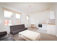 1 bedroom flat in Dunster Gardens