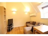**2 double bedroom flat minutes from Turnpike Lake/Hornsey Station! High spec, available now!!***