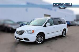 2016 Chrysler Town & Country TOURING, LEATHER HTD SEATS, PWR DOO