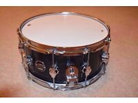 DW Performance Series Snare, Mint Condition w/ ORIGINAL HEADS. (14x6.5). CAN POST IN ALL OVER UK