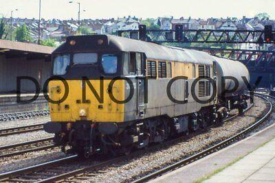 UK DIESEL TRAIN RAILWAY PHOTOGRAPH OF CLASS 31 31112 LOCO. (RM31-45)