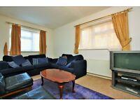 2 bedroom flat in Brampton Grove, Hendon, NW4