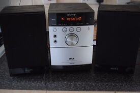 SONY DAB RADIO/CD/CASSETTE/DAB ANTENNA CAN BE SEEN WORKING