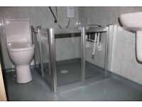 FREE brand new shower screens 950mm x 750mm to reduce splashing in a wet room.