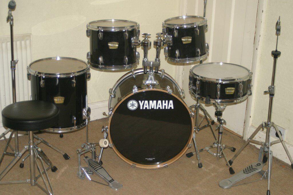 Yamaha yd series black 5 piece full drum kit 20 inch bass for Yamaha dtx450k 5 piece electronic drum kit
