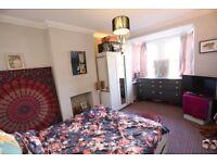 GU1 Guildford Large Furnished Room with Parking ALL BILLS INC