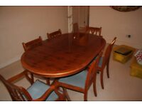 Maple veneer dining room table and 6 x chairs