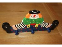 REDUCED TO ONLY £2.50 WALL MOUNTED CLOWN IMAGE WOODEN TRIPLE COAT HANGER