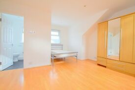 Amazing 4 bed 3 bath, Smeaton Road Southfields SW18