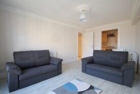 2 bedroom flat in Blackwood Crescent, Newington, Edinburgh, EH9 1QY