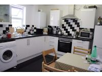 3 BED APARTMENT AVAILABLE FOR RENT IN HACKNEY/CLAPTON/ CHATSWORTH ROAD/ E5