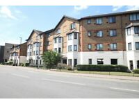 Spacious 2 double Bed flat in perfect condition. Third floor with separate kitchen and bathroom.