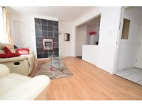 Centrally Located Spacious 2 Bedroom Apartment! Excellent Value and Ready to Move In!