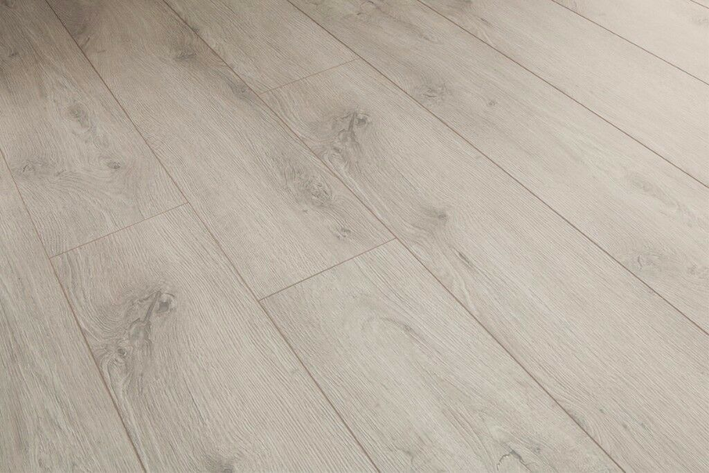Laminate Flooring 12mm Good Quality Pale Grey Wood Effect Toscana Oak
