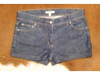 Genuine Burberry denim shorts size 6 (XS)