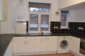 Large3 bedroom,split level flat.Golders Green Road.
