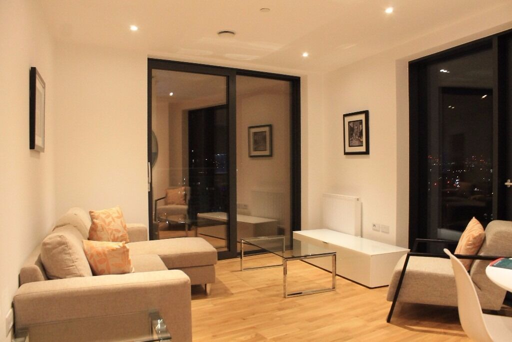 - Perfect NEW 2bedroom 2bathroom property right next t Lewisham DLR in 12th floor with own terrace!