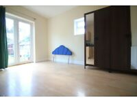 LARGE NEWLY REDECORATED SELF CONTAINED STUDIO FLAT INCLUDING ALL UTILITY BILLS - HOUNSLOW WHITTON