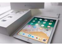 Apple iPad Pro 9.7 Silver 128GB Boxed Pristine Condition