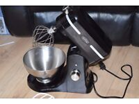 BELLING BLACK CAKE MIXER CAN BE SEEN WORKING