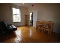 2 bedroom flat in Amhurst Road, Stoke Newington, N16