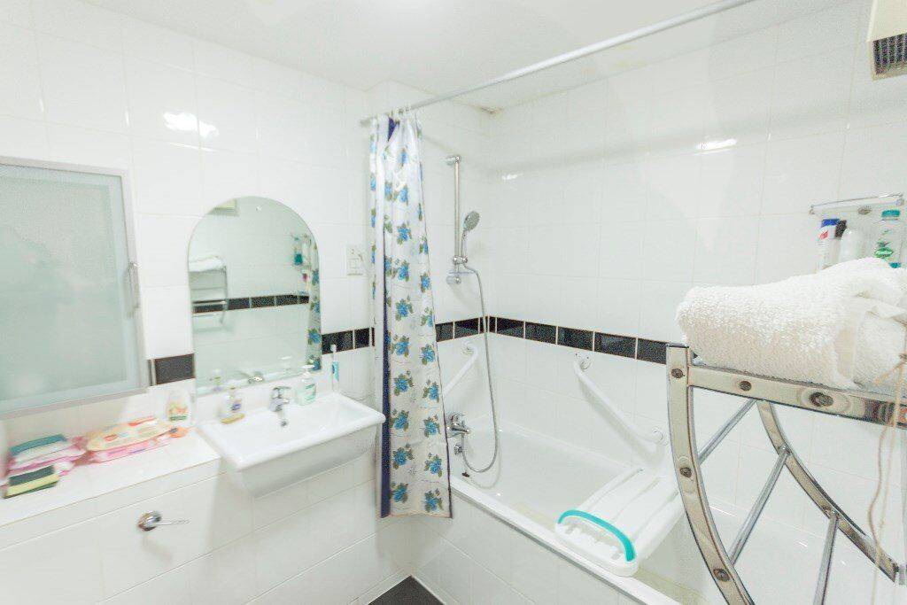 GORGEOUS 1 BED FLAT-MINS AWAY FROM HENDON STN-CALL RICKY ASAP.......