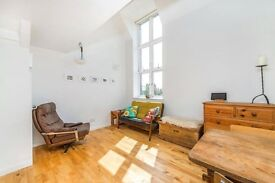 Quirky BRIGHT one DOUBLE bedroom flat #WOODEN FLOORS with a lot of character