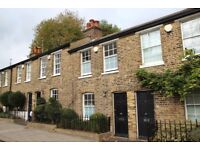 Two Bedroom House With Private Patio Garden Moments Away From Highgate Village