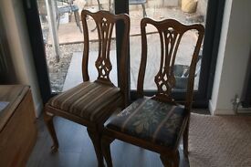 Wooden dining chairs. Set of 4