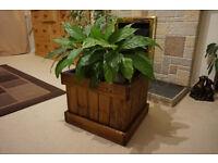 Wooden flower pot box