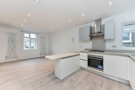 Newly Refrubished 3 Bedroom Property Located 5 Minutes from Kensal Green Station