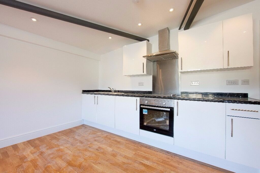 LOOK NOW! A STUNNING BRAND NEW ONE BEDROOM APARTMENT IN THIS NEW DEVELOPMENT CLOSE TO STATION