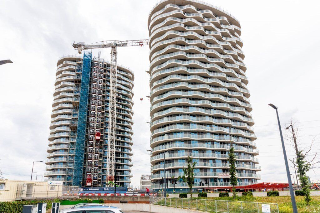 # Stunning brand new 1 bedroom properties coming available now in Royal Docks E16!!
