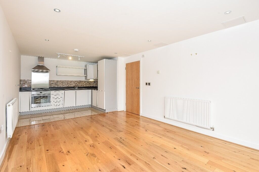 Fitzgerald House, SW18 - Two double bedroom modern apartment with private balcony - £1550pcm
